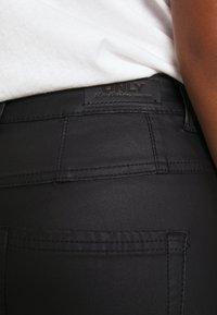 ONLY - ONLCHRISSY SKINNY COAT  - Jeans Skinny Fit - black - 5