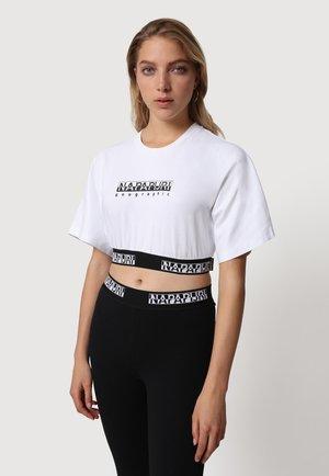 S BOX CROP WIDE - Print T-shirt - bright white