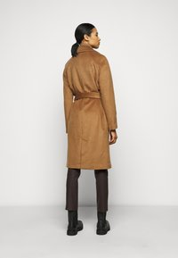 2nd Day - Classic coat - golden camel - 2