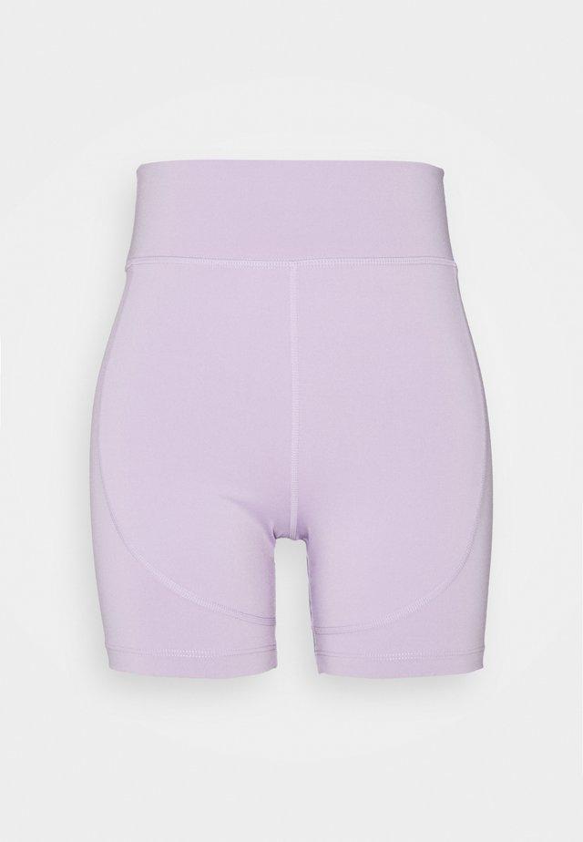 REZI SHORT - Collants - lilac