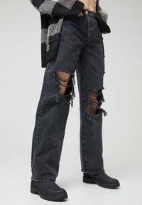 PULL&BEAR - Džíny Straight Fit - black - 3