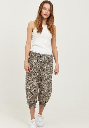 JILL WIDE - Shorts - gravel printed