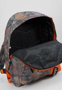Hype - BACKPACK FOREST  - Rugzak - multi - 5