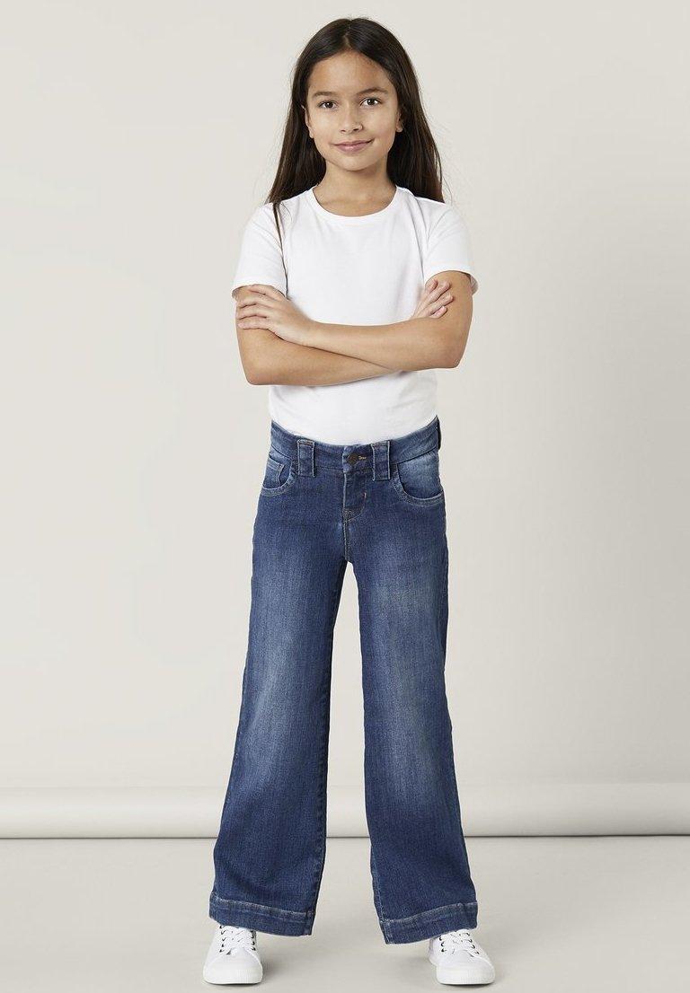 Name it - Flared Jeans - medium blue denim