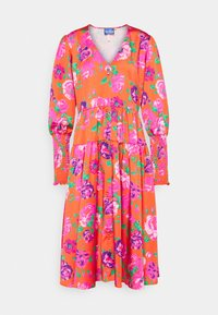 Cras - MILLACRAS DRESS - Paitamekko - pink - 5