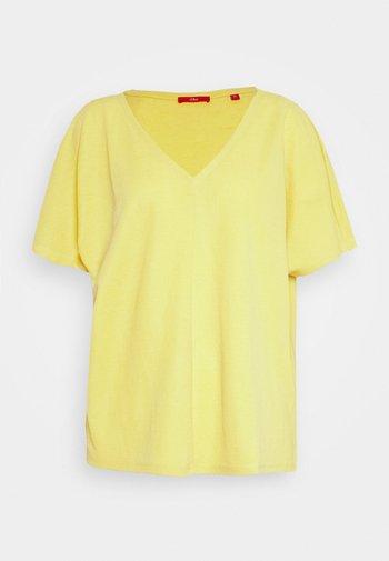 Basic T-shirt - goldgelb