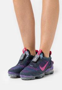 Nike Sportswear - AIR MAX VAPORMAX  - Trainers - dark raisin/pink blast/black/blue fox - 0