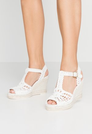 High heeled sandals - blanco