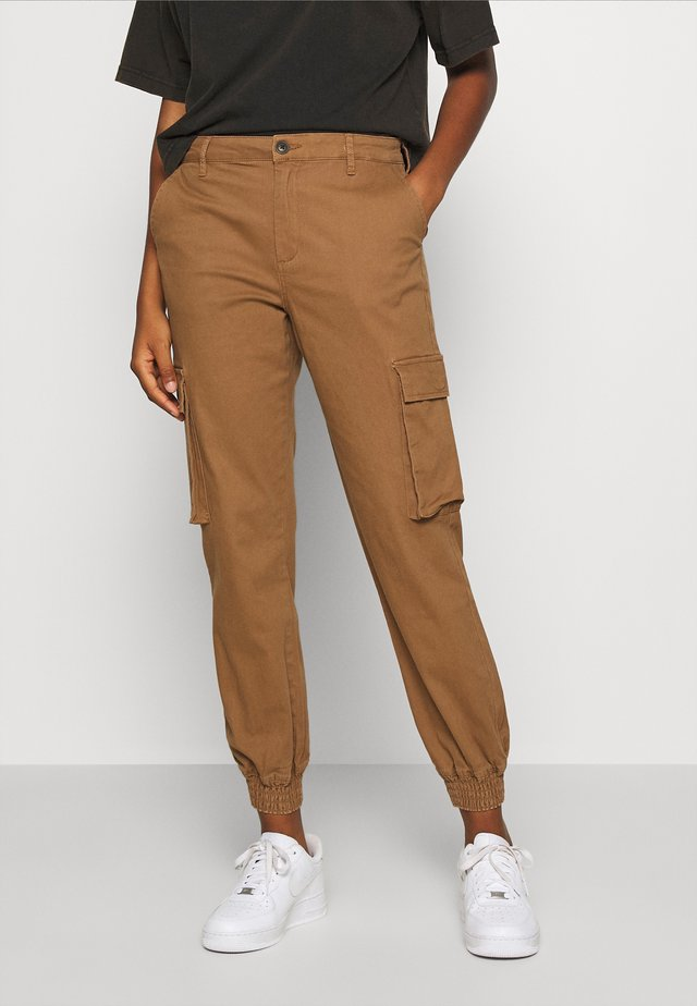 ONLMADEA - Cargo trousers - toasted coconut