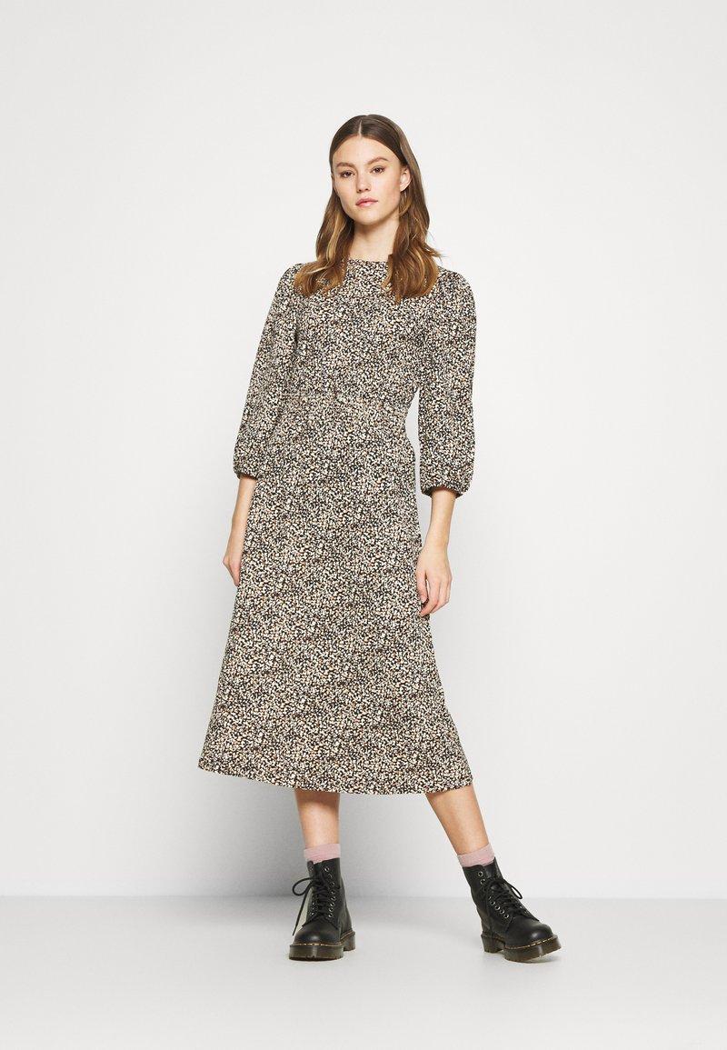 ONLY - ONLZILLE NAYA SMOCK DRESS - Korte jurk - black