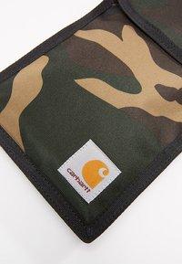 Carhartt WIP - COLLINS NECK POUCH - Wallet - duck laurel - 2
