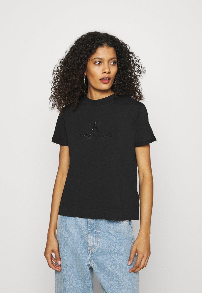 Calvin Klein Jeans - ARCHIVES TEE - Printtipaita - black