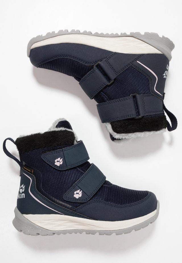 POLAR WOLF TEXAPORE MID - Winter boots - dark blue/offwhite