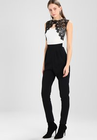 WAL G. - SHOULDER CONTRAST - Jumpsuit - black/white - 0