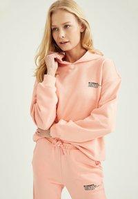 DeFacto - Hoodie - pink - 0