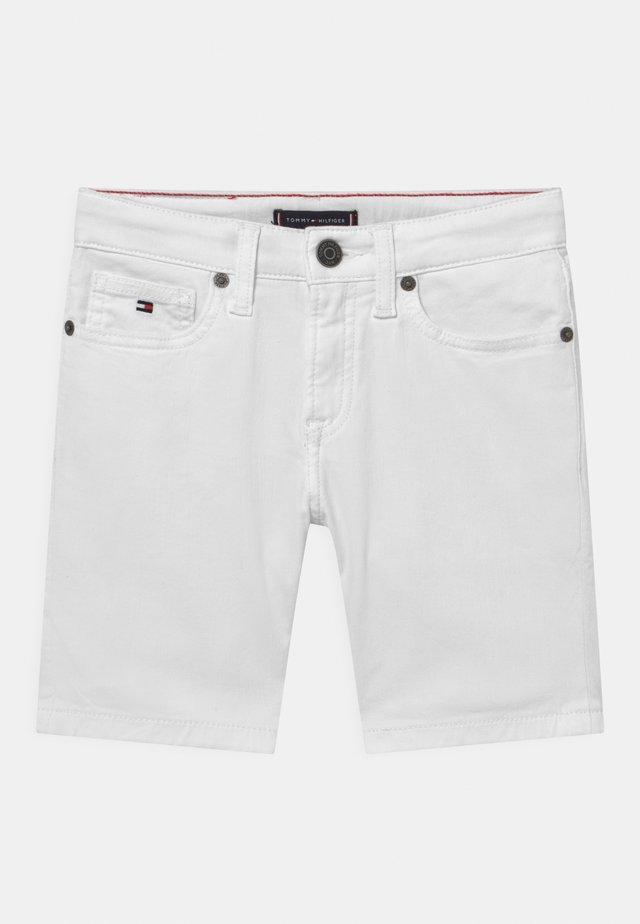 SPENCER - Shorts vaqueros - bright white