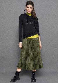 bianca - A-line skirt - green mix - 0
