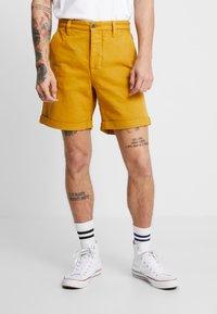 Nudie Jeans - LUKE - Denim shorts - tumeric - 2