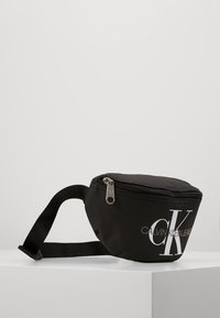 Calvin Klein Jeans - MONOGRAM WAIST PACK - Riñonera - black - 4