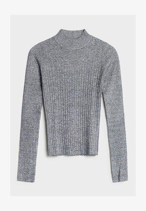 MIT GERIPPTEM STEHKRAGEN - Sweter - grey
