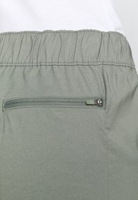 The North Face - CLASS JOGGER - Trousers - agave green - 4