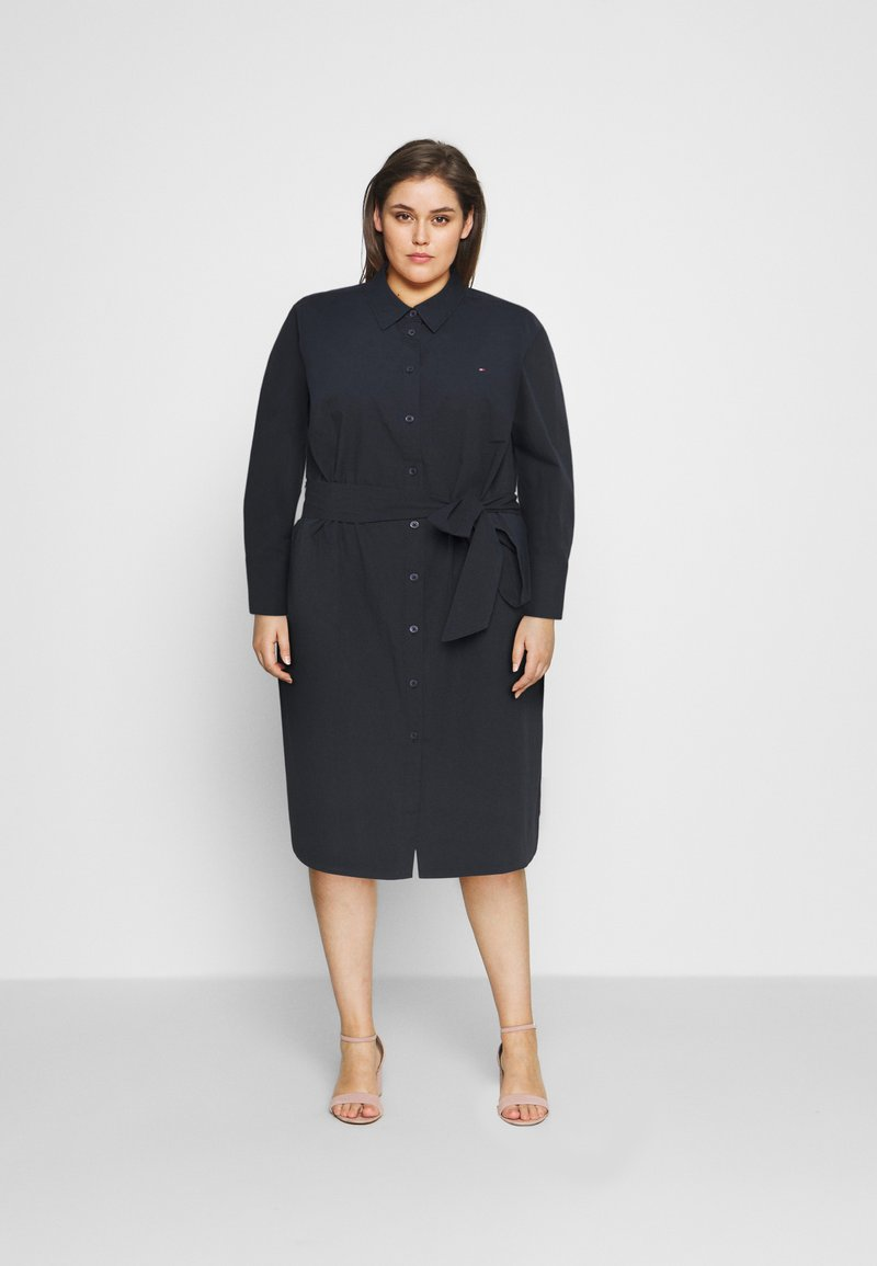 Tommy Hilfiger Curve - MONICA KNEE DRESS - Shirt dress - desert sky