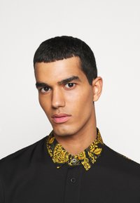 Versace Jeans Couture - BRISCOLA - Shirt - nero - 3