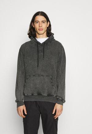 ESSENTIAL DISTRESSED HOOD - Sweatshirt - washed black