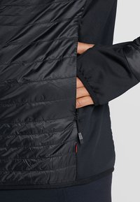 Vaude - MENS SESVENNA JACKET III - Outdoorová bunda - black - 5