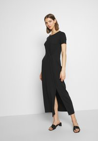 Vero Moda - VMAVA LULU ANCLE DRESS - Maxikjole - black - 2