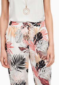 s.Oliver - Trousers - off-white aop - 3