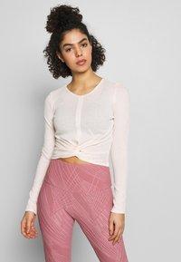 Onzie - TWIRL  - Camiseta de manga larga - blush - 0