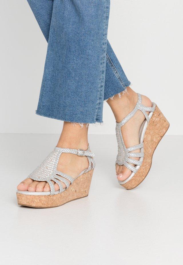 HANNA - Korkeakorkoiset sandaalit - ice