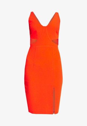 MILLA - Vestido de tubo - orange