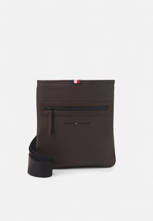 ESSENTIAL CROSSOVER UNISEX - Across body bag - brown