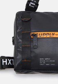 HXTN Supply - PRIME UNISEX - Mochila - delta - 3
