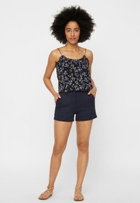 Vero Moda - Shorts - dark blue - 1