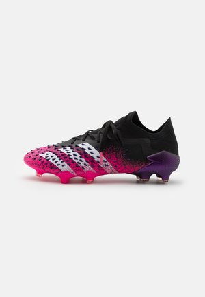PREDATOR FREAK .1 L FG - Voetbalschoenen met kunststof noppen - core black/footwear white/shock pink