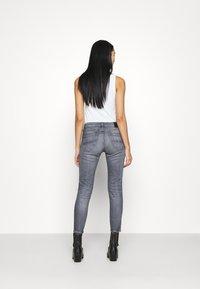 Tommy Jeans - SOPHIE - Skinny džíny - midnight grey - 2