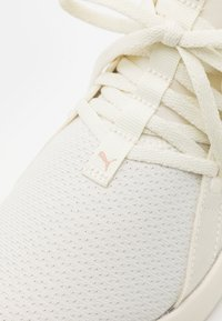 Puma - SOFTRIDE SOPHIA RECYCLED - Laufschuh Neutral - marshmallow/rose gold - 5