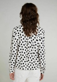 Oui - Button-down blouse - offwhite black - 2
