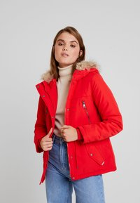 Vero Moda - VMAGNES BREEZE - Parka - chinese red - 0