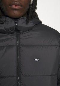 adidas Originals - PAD HOODED PUFF - Kurtka zimowa - black - 5