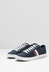 Tommy Hilfiger - ESSENTIAL STRIPES DETAIL - Sneakers - blue - 2