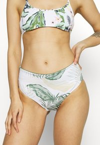 Rip Curl - COASTAL PALMS ROLLUP GOOD - Bikini bottoms - white - 0