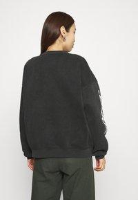 WRSTBHVR - SPRAYER  - Sweatshirt - vintage black - 2