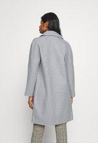 ONLY Petite - BERNA BONDED COAT - Zimní kabát - light grey melange - 2