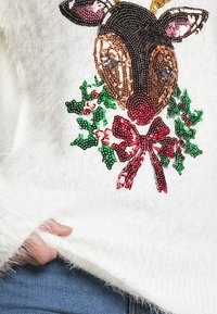 Fashion Union - CHRISTMAS REINDEER FACE - Jumper - white - 4