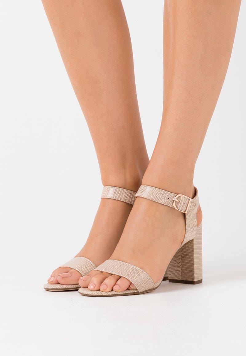 New Look - Sandaler med høye hæler - stone