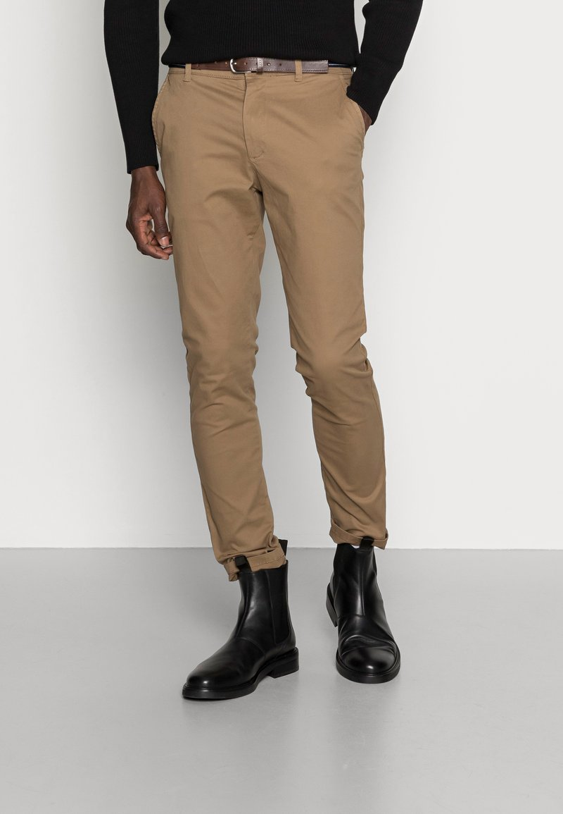 Selected Homme - SLHSLIM JAMERSON PANTS - Chinosy - dark camel
